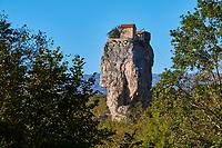 Georgie, Caucase, region de Imereti, l'eglise piton de Katskhi // Georgia, Caucasus, Imereti region, Katskhi Column church