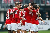 ALKMAAR - 04-10-2015, AZ - FC Twente, AFAS Stadion, 3-1, AZ speler Vincent Janssen (2vl) wordt gefeliciteerd door AZ speler Joris van Overeem na zijn doelpunt, 1-0.