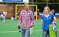 BILTHOVEN - Bart van Gaalen en Janneke Schopman, coaches van SCHC , zondag tijdens de hoofdklasse competitiewedstrijd tussen de vrouwen van SCHC en MOP (5-0). COPYRIGHT KOEN SUYK