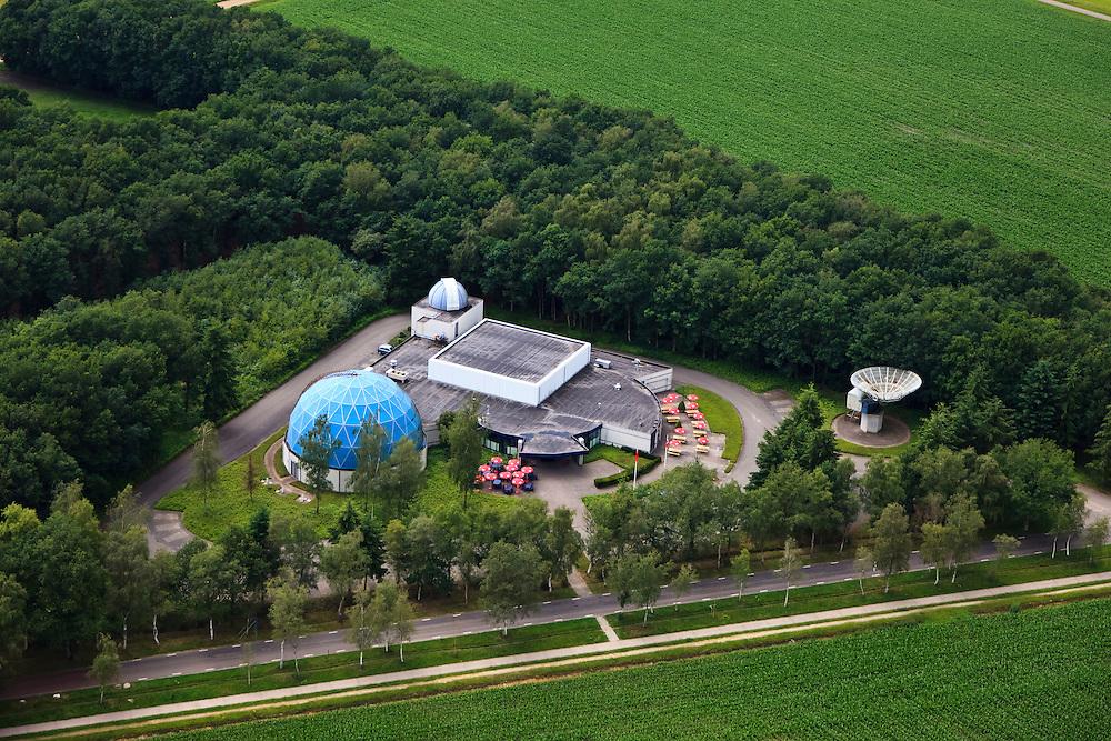 Nederland, Drenthe, Dwingelo, 30-06-2011; Planetron Cinedome, een van de twee Zeiss-planetariums met koepel, telescoop en sterrenwacht. Planetron Cinedome, one of the two Zeiss planetariums with dome, telescope and observatory ..luchtfoto (toeslag), aerial photo (additional fee required).copyright foto/photo Siebe Swart