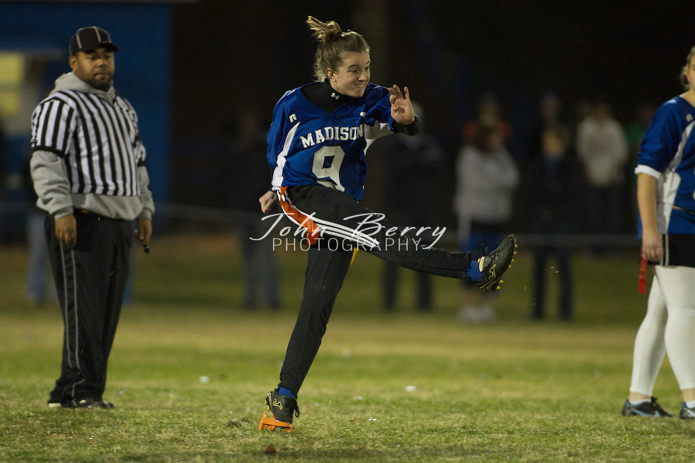 November/22/10:  Powderpuff 2010, Seniors defeat Juniors 14-7.  Senior touchdowns by Megan Clark, one off an interception.  Junior touchdown by Leanna Coates.