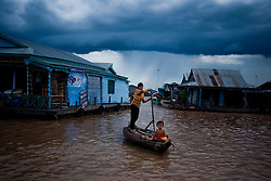 May 20, 2009 - Kampong Chhnang, Cambodia. Villagers in Chnouk Trou on the Tonle Sap. © Nicolas Axelrod / Ruom
