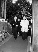 26/6/1952<br /> 6/26/1952<br /> 26 June 1952<br /> <br /> Sean T. O'Kelly Arriving Pro-Cathedral for Solemn Votive Mass