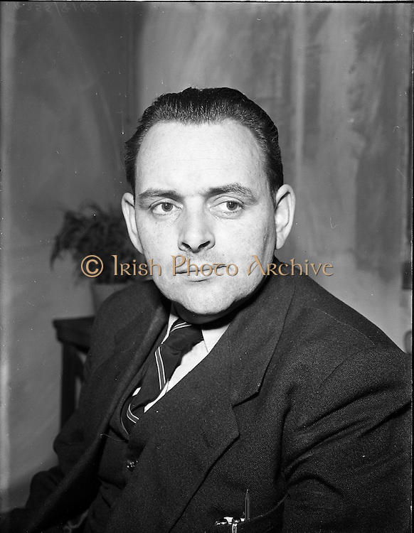 "27/04/1957<br /> 04/27/1957<br /> 27 April 1957<br /> Gael Linn- ""Muiris O hAirt"" drama rehearsal at Damer Hall, Dublin. Portrait of actor Tomas Mac Giolla Bhríde."