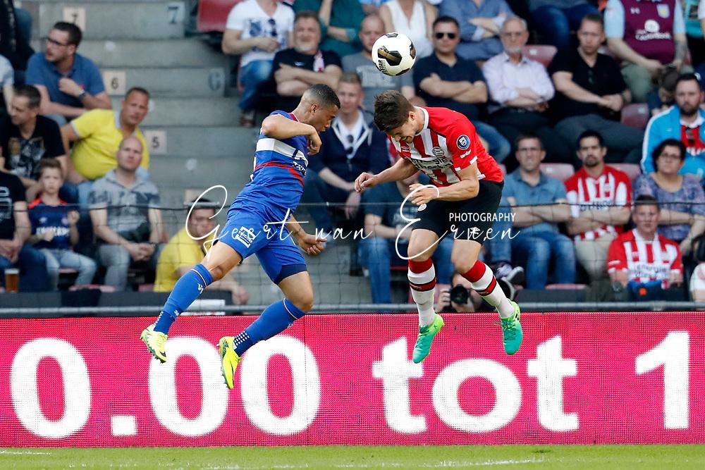 09-04-2017 VOETBAL:PSV-WILLEM II:EINDHOVEN<br /> Marco van Ginkel van PSV en Jordy Croux van Willem II <br /> <br /> Foto: Geert van Erven