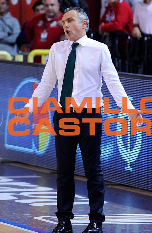 DESCRIZIONE : Cremona Lega A 2012-13 Vanoli Cremona Sidigas Avellino <br /> GIOCATORE : Coach Giorgio Valli<br /> SQUADRA : Sidigas Avellino<br /> EVENTO : Campionato Lega A 2012-2013<br /> GARA : Vanoli Cremona Sidigas Avellino<br /> DATA : 21/10/2012<br /> CATEGORIA : Coach Delusione<br /> SPORT : Pallacanestro<br /> AUTORE : Agenzia Ciamillo-Castoria/A.Giberti<br /> Galleria : Lega Basket A 2012-2013<br /> Fotonotizia : Cremona Lega A 2012-13 Vanoli Cremona Sidigas Avellino<br /> Predefinita :