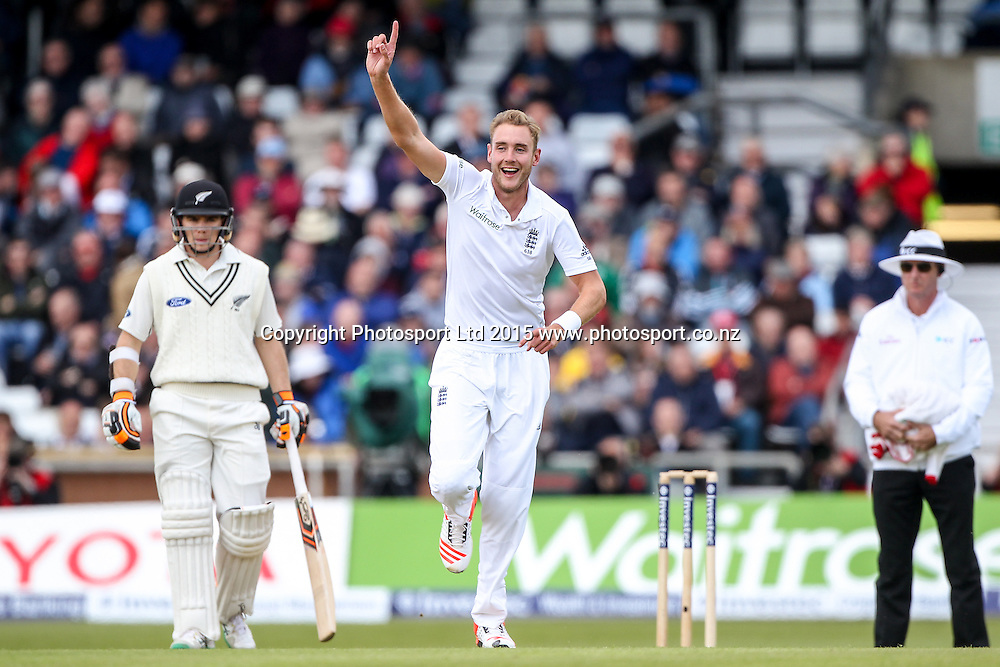Picture by Alex Whitehead/SWpix.com - 29/05/2015 - Cricket - 2nd Investec Test: England v New Zealand, Day 1 - Headingley Cricket Ground, Leeds, England - England's Stuart Broad celebrates the wicket of New Zealand's Ross Taylor (lbw).