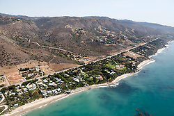 EXCLUSIVE: A series of aerial pictures shot over Malibu, CA showing singer Robbie Williams new home and the proximity to his famous neighbors. 02 Aug 2018 Pictured: Robbie Williams, Cindy Crawford's homes. Photo credit: Toby Canham/MEGA TheMegaAgency.com +1 888 505 6342
