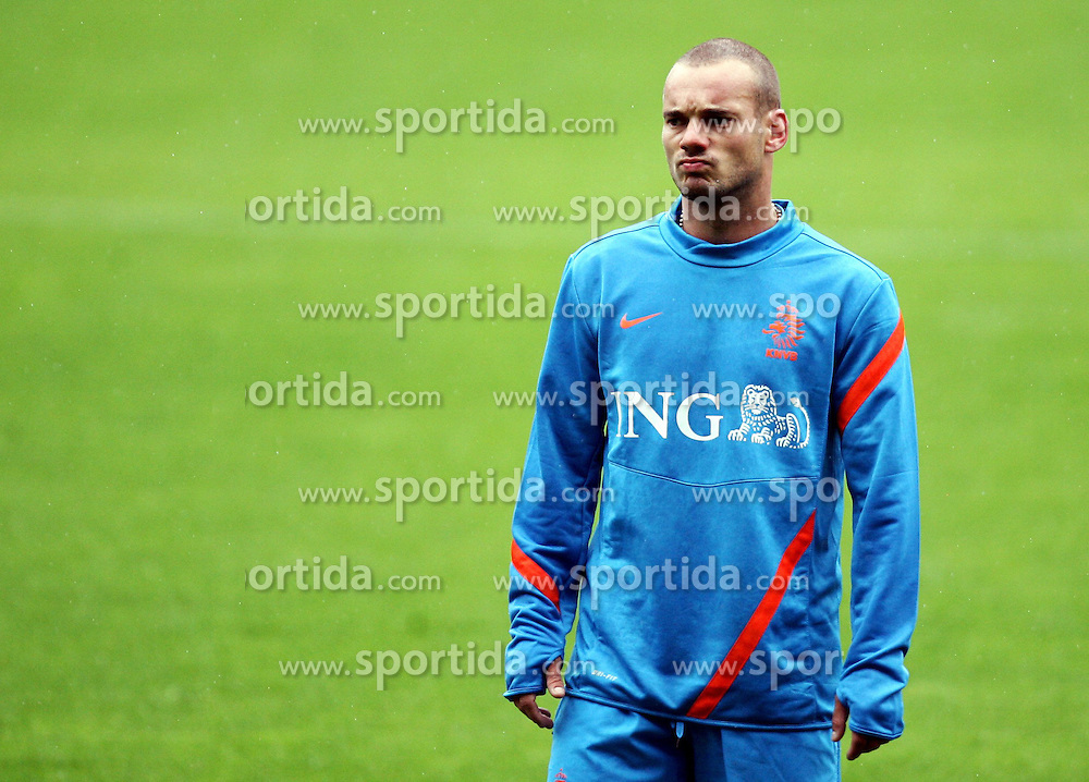 05.06.2012, Henryk Reyman Stadion, Krakau, POL, UEFA EURO 2012, Niederlande, Training, im Bild WESLEY SNEIJDER // during EURO 2012 Trainingssession of Netherland Nationalteam, at the Henryk Reyman Stadium, Krakau, Poland on 2012/06/05. EXPA Pictures © 2012, PhotoCredit: EXPA/ Newspix/ Michael Nowak..***** ATTENTION - for AUT, SLO, CRO, SRB, SUI and SWE only *****