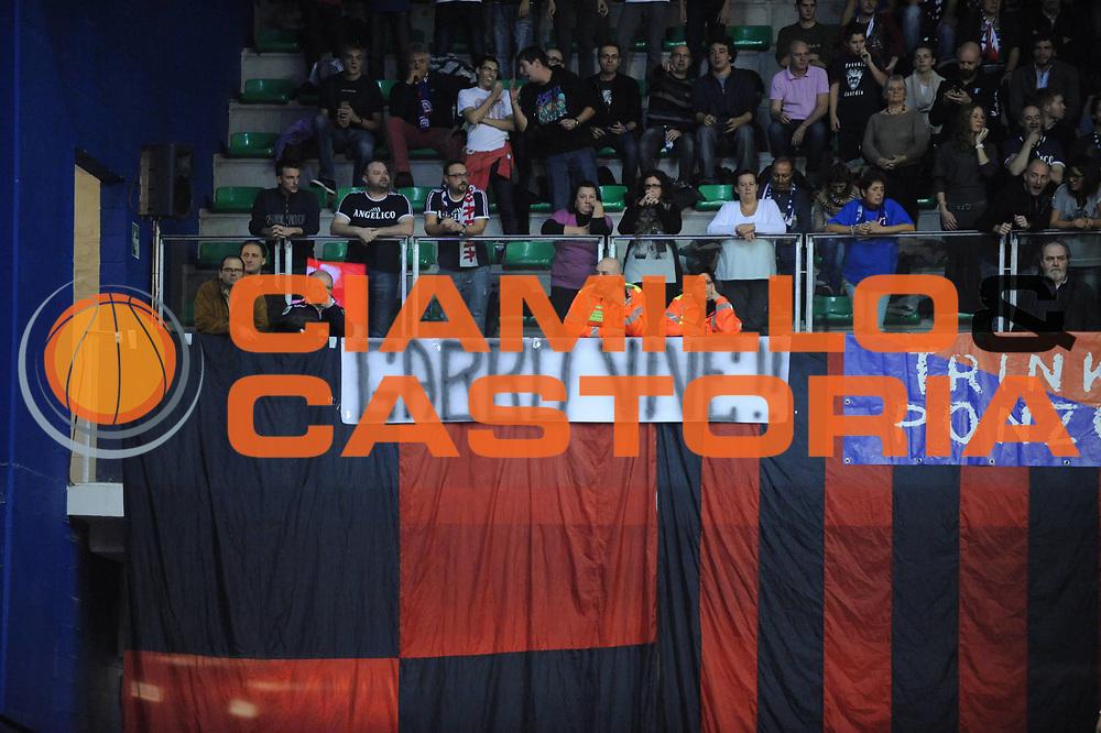 DESCRIZIONE : Biella Lega A 2012-13 Angelico Biella Cimberio Varese<br /> GIOCATORE : Tifosi<br /> CATEGORIA : Tifosi<br /> SQUADRA : Angelico Biella <br /> EVENTO : Campionato Lega A 2012-2013 <br /> GARA : Angelico Biella Cimberio Varese<br /> DATA : 11/11/2012<br /> SPORT : Pallacanestro <br /> AUTORE : Agenzia Ciamillo-Castoria/M.Ceretti<br /> Galleria : Lega Basket A 2012-2013  <br /> Fotonotizia : Biella Lega A 2012-13 Angelico Biella Cimberio Varese<br /> Predefinita :
