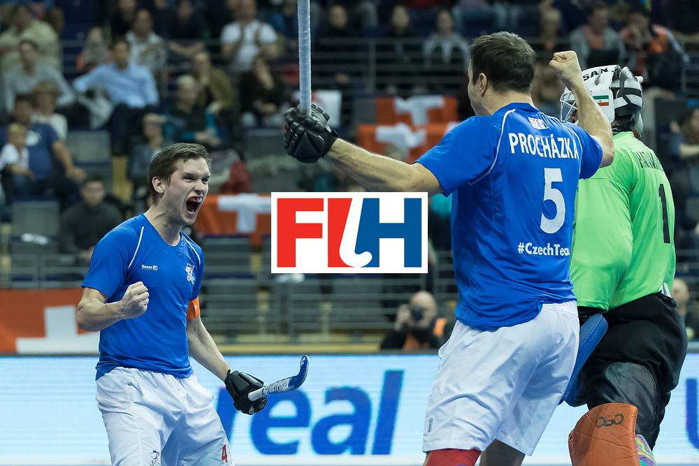 Hockey, Seizoen 2017-2018, 09-02-2018, Berlijn,  Max-Schmelling Halle, WK Zaalhockey 2018 MEN, Iran - Czech Republic 2-2 Iran Wins after shoutouts, Martin Hanus scores 1-0.