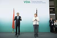 10 JUL 2018, BERLIN/GERMANY:<br /> Li Keqiang (L), Ministerpraesident der VR China, und Angela Merkel (R), CDU, Bundeskanzlerin, nach einer Praesentation zum autonomen Fahren mit deutschen Autoherstellern, Flughafen Tempelhof<br /> IMAGE: 20180710-01-113<br /> KEYWORDS: Handshake
