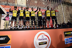 March 18, 2017 - San Remo, Italie - SANREMO, ITALY - MARCH 18 : Team Lotto NL - Jumbo at the start of the UCI WorldTour 108th Milan - Sanremo cycling race with start in Milan and finish at the Via Roma in Sanremo on March 18, 2017 in Sanremo, Italy, 18/03/2017 (Credit Image: © Panoramic via ZUMA Press)