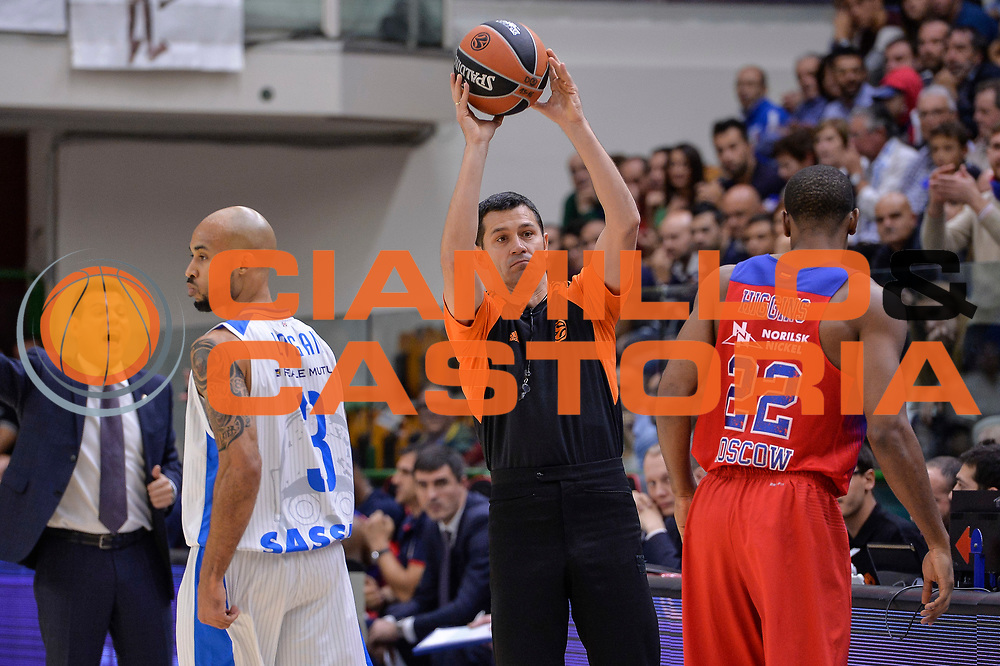 DESCRIZIONE : Eurolega Euroleague 2015/16 Gruppo D Dinamo Banco di Sardegna Sassari - CSKA Mosca Moscow<br /> GIOCATORE : Milivoje Jovcic<br /> CATEGORIA : Arbitro Referee<br /> EVENTO : Eurolega Euroleague 2015/2016<br /> GARA : Dinamo Banco di Sardegna Sassari - CSKA Mosca Moscow<br /> DATA : 23/10/2015<br /> SPORT : Pallacanestro <br /> AUTORE : Agenzia Ciamillo-Castoria/L.Canu