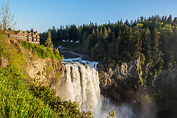 United States, Washington. Snoqualmie Falls, on the Snoqualmie River between Fall City and Snoqualmie.  On the left is the Salish Lodge and Spa overlooking the falls.