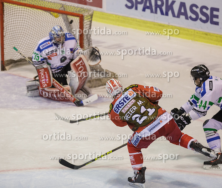 06.12.2015, Stadthalle, Klagenfurt, AUT, EBEL, EC KAC vs HDD TELEMACH Olimpija Ljubljana, 28. Runde, im Bild Tor durch Manuel Geier (EC KAC, #21)m Maks Selan (HDD TELEMACH Olimpija Ljubljana, #44), Oliver Roy (HDD TELEMACH Olimpija Ljubljana, #35) // during the Erste Bank Eishockey League 28th round match match betweeen EC KAC and HDD TELEMACH Olimpija Ljubljana at the City Hall in Klagenfurt, Austria on 2015/12/06. EXPA Pictures © 2015, PhotoCredit: EXPA/ Gert Steinthaler