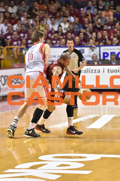 DESCRIZIONE : Venezia Lega A 2014-15 Umana Venezia-Grissin Bon Reggio Emilia  playoff Semifinale gara 5<br /> GIOCATORE :Goss Phil<br /> CATEGORIA : Palleggio<br /> SQUADRA : Umana Venezia<br /> EVENTO : LegaBasket Serie A Beko 2014/2015<br /> GARA : Umana Venezia-Grissin Bon Reggio Emilia playoff Semifinale gara 5<br /> DATA : 07/06/2015 <br /> SPORT : Pallacanestro <br /> AUTORE : Agenzia Ciamillo-Castoria /GiulioCiamillo<br /> Galleria : Lega Basket A 2014-2015 Fotonotizia : Reggio Emilia Lega A 2014-15 Umana Venezia-Grissin Bon Reggio Emilia playoff Semifinale gara 5<br /> Predefinita :