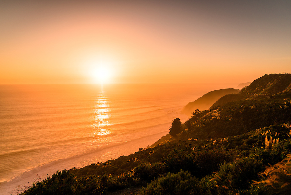 Sunset in Big Sur on the Pacific Ocean