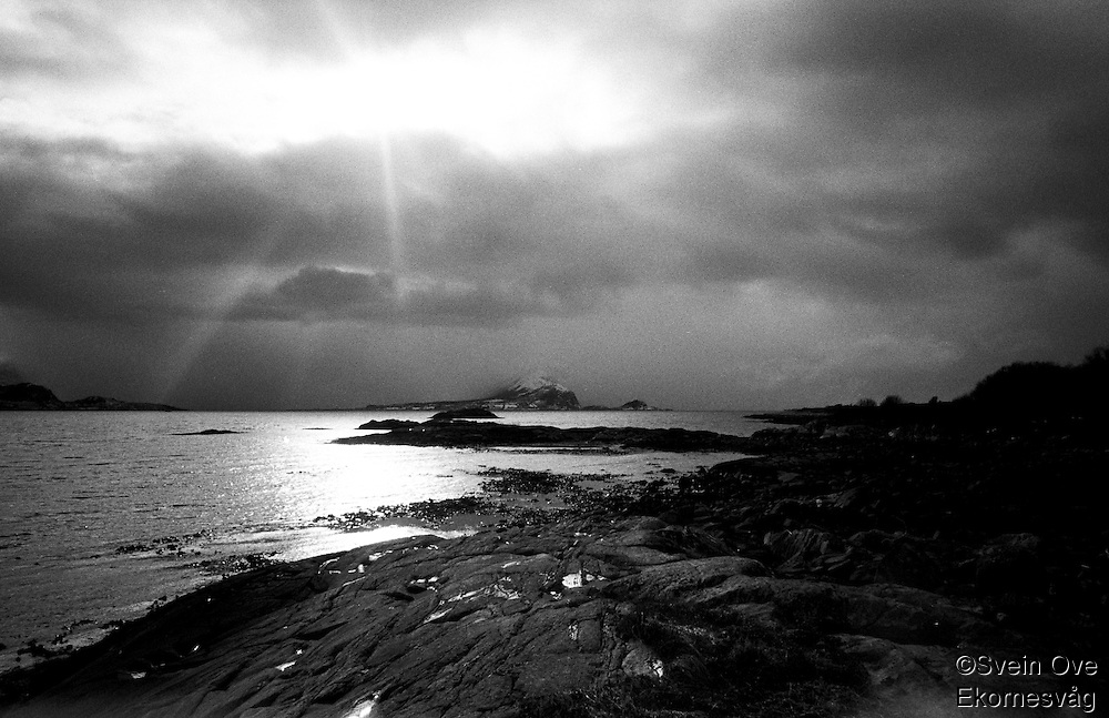 Skyer over Godøya.<br /> Foto: Svein Ove Ekornesvåg