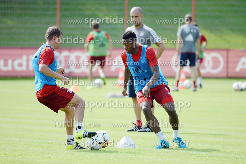 06.07.2015, Saebener Strasse, Muenchen, GER, 1. FBL, FC Bayern Muenchen, Training, im Bild vl. Philipp Lahm ( FC Bayern Muenchen ) und David Alaba ( FC Bayern Muenchen ) // during a Trainingssession of German Bundesliga Club FC Bayern Munich at the Saebener Strasse in Muenchen, Germany on 2015/07/06. EXPA Pictures &copy; 2015, PhotoCredit: EXPA/ Eibner-Pressefoto/ Vallejos<br /> <br /> *****ATTENTION - OUT of GER*****