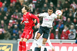 05.02.2010,  Rhein Energie Stadion, Koeln, GER, 1.FBL, FC Koeln vs FC Bayern Muenchen, 21. Spieltag, im Bild: Milivoje Novakovic (Koeln #11) im Kopfball mit Luiz Gustavo (Muenchen #30) (re.)  EXPA Pictures © 2011, PhotoCredit: EXPA/ nph/  Mueller       ****** out of GER / SWE / CRO  / BEL ******