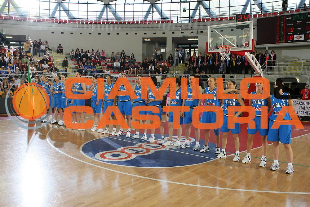 DESCRIZIONE : Roma Amichevole Femminile Italia Usa <br /> GIOCATORE : Team Nazionale Italiana Femminile <br /> SQUADRA : Nazionale Italiana Femminile <br /> EVENTO : Amichevole Femminile Italia Usa <br /> GARA : Italia Usa <br /> DATA : 11/04/2007 <br /> CATEGORIA : Ritratto <br /> SPORT : Pallacanestro <br /> AUTORE : Agenzia Ciamillo-Castoria/G.Ciamillo
