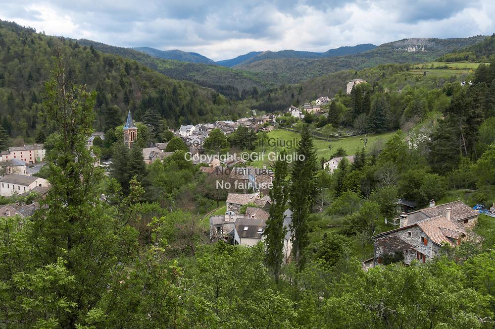 France, Occitanie, Lozère (48), vue depuis hauteurs du village de Vébron // France, Occitanie, Lozere departement, view on Vebron village
