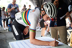 Chantal Blaak (NED) signs on at Giro Rosa 2018 - Stage 6, a 114.1 km road race from Sovico to Gerola Alta, Italy on July 11, 2018. Photo by Sean Robinson/velofocus.com