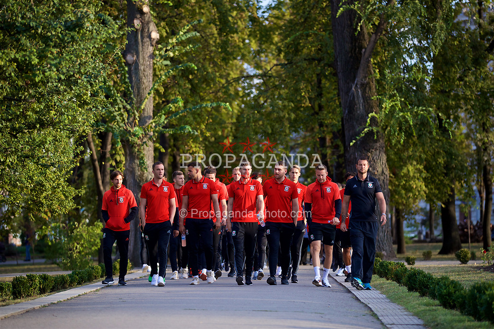 CHIȘINĂU, MOLDOVA - Tuesday, September 5, 2017: Wales players during a pre-match walk in Chișinău ahead of the 2018 FIFA World Cup Qualifying Group D match against Moldova. Joe Allen, Andy King, Hal Robson-Kanu, Ben Davies, Sam Vokes, Chris Gunter. (Pic by David Rawcliffe/Propaganda)