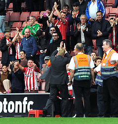 Southampton fans stay behind after the game to applaud Southampton Manager, Ronald Koeman - Photo mandatory by-line: Dougie Allward/JMP - Mobile: 07966 386802 - 25/10/2014 - SPORT - Football - Southampton - ST Mary's Stadium - Southampton v Stoke - Barclays Premier League