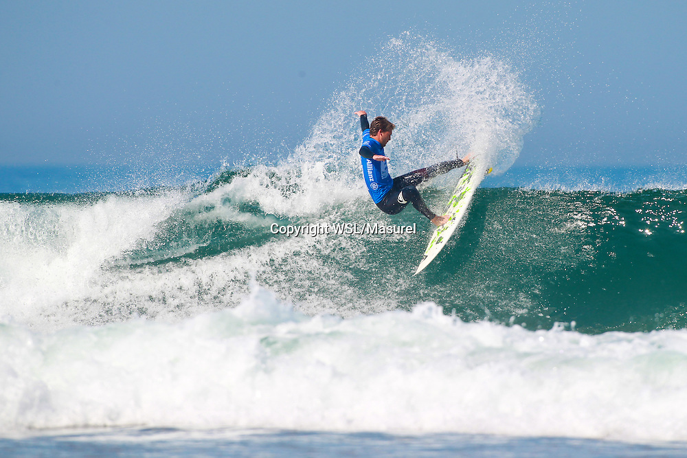 Jesse Mendes (BRA). Cascais 2015<br /> hird round of the QS10,000 Allianz Billabong Pro Cascais on Wednesday, September 30, 2015.<br /> Photo credit: Laurent Masurel / www.worldsurfleague.com