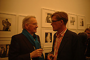 Earl McGrath AND TIM HUNT. Warhol's World. Photography and Television. Hauser and Wirth. Piccadilly, London. 26  January 2006.  ONE TIME USE ONLY - DO NOT ARCHIVE  © Copyright Photograph by Dafydd Jones 66 Stockwell Park Rd. London SW9 0DA Tel 020 7733 0108 www.dafjones.com
