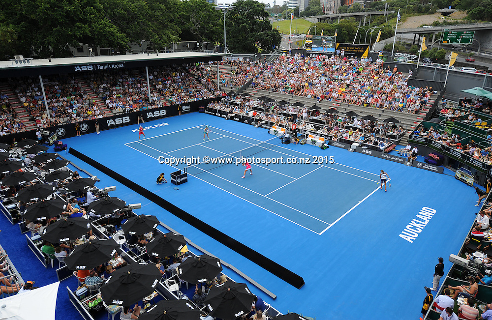 General view of Centre court during Quarter Finals Day of the ASB Classic Women's International. ASB Tennis Centre, Auckland, New Zealand. Thursday 8 January 2015. Copyright photo: Chris Symes/www.photosport.co.nz