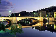 France. Lyon . The Bonaparte bridge on the Saone       le pont Bonaparte sur la Soâne       R00063 18    L930820e     P0000230