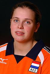 29-10-2001 VOLLEYBAL: JONG ORANJE DAMES: ZEIST<br /> Portretfoto Dames Jong Oranje / Elke Wijnhoven<br /> &copy;2001-WWW.FOTOHOOGENDOORN.NL