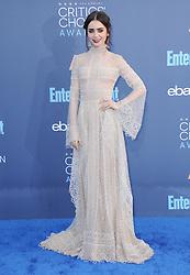 Lily Collins  bei der Verleihung der 22. Critics' Choice Awards in Los Angeles / 111216