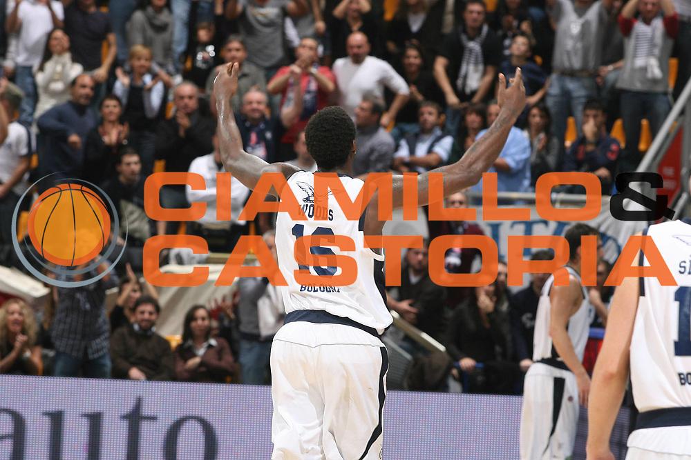 DESCRIZIONE : Bologna Lega A1 2008-09 Fortitudo Bologna Solsonica Rieti<br /> GIOCATORE : Qyntel Woods<br /> SQUADRA : Fortitudo Bologna<br /> EVENTO : Campionato Lega A1 2008-2009 <br /> GARA : Fortitudo Bologna Solsonica Rieti<br /> DATA : 01/11/2008 <br /> CATEGORIA : esultanza<br /> SPORT : Pallacanestro <br /> AUTORE : Agenzia Ciamillo-Castoria/M.Marchi