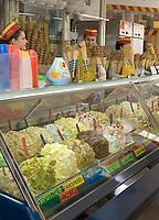 IJswinkel in Sirmione.  COPYRIGHT KOEN SUYK