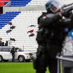 Présentation du Schéma National d'Intervention des forces du ministère de l'intérieur à l'occasion du G6 Lyon 2018 consacré aux enjeux de sécurité et la lutte contre le terrorisme. Démonstration dynamique au Groupama Stadium de Lyon Decines de l'intervention des forces de sécurité et de secours sur une tuerie de masse. Présence coordonnée sur le stade de 400 intervenants policiers (DDSP69, BRI, antenne RAID Lyon, RAID), gendarmes (PSIG, EGM 12/5, antenne GIGN, FAG, GIGN) et pompiers (GRES du SDMIS).<br /> Octobre 2018 / Lyon Decines (69) / FRANCE<br /> Voir le reportage complet (70 photos) https://sandrachenugodefroy.photoshelter.com/gallery/2018-10-Presentation-du-SNI-lors-du-G6-Lyon-au-Groupama-stadium-Complet/G00005aqtb1wxaEM/C0000yuz5WpdBLSQ