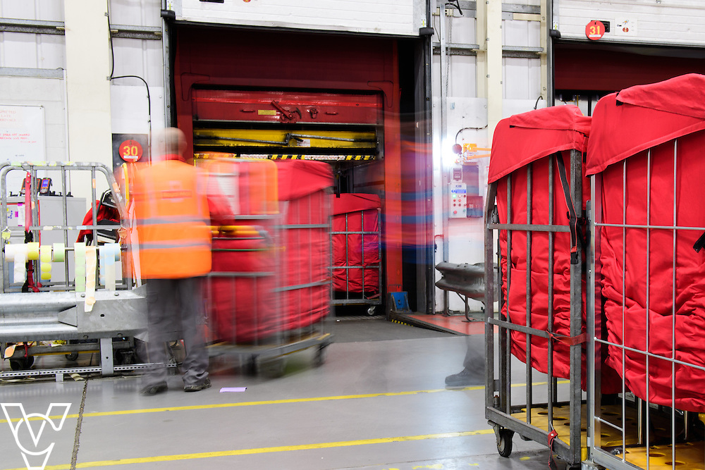 Stock / generic photographs taken at the Royal Mail's Yorkshire Distribution Centre, Normanton.  <br /> <br /> Cross docking<br /> <br /> Picture: Chris Vaughan Photography<br /> Date: November 15, 2016