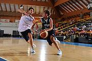 DESCRIZIONE : Bormio Raduno Collegiale Nazionale Italiana Maschile Allenamento<br /> GIOCATORE : Giuseppe Poeta Luca Vitali<br /> SQUADRA : Nazionale Italia Uomini <br /> EVENTO : Raduno Collegiale Nazionale Italiana Maschile <br /> GARA : <br /> DATA : 30/06/2010 <br /> CATEGORIA : <br /> SPORT : Pallacanestro <br /> AUTORE : Agenzia Ciamillo-Castoria/A.Dealberto<br /> Galleria : Fip Nazionali 2010 <br /> Fotonotizia : Bormio Raduno Collegiale Nazionale Italiana Maschile Allenamento<br /> Predefinita :