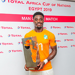 Serge Aurier of Ivory Coast receives the Total Man of the Match award after the 2019 Africa Cup of Nations Finals game between Ivory Coast and South Africa at Al Salam Stadium in Cairo, Egypt on 24 June 2019  <br /> Photo : Icon Sport
