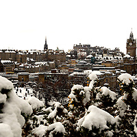 EDINBURGH, UK - 28th November 2010:  General view of Edinburgh Castle and surrounding rooftops taken from Calton Hill after heavy snow hit the city early on Sunday morning. ..Heavy snow has fallen across large parts of the UK, disrupting travel.  Weather warnings of heavy and drifting snow are also in place for many places across the UK...(Photograph: Richard Scott/MAVERICK)