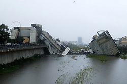 August 14, 2018 - Genoa, Italy - A highway bridge  has partially collapsed, prompting fears of injuries and deaths. (Credit Image: © La Repubblica/Ropi via ZUMA Press)