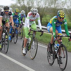 Ronde van Gelderland 2012 Marijn de Vries op kop vna het peloton