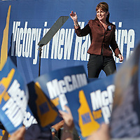 (101508  Laconia, NH) Sarah Palin campaigns at  Weirs Beach, Wednesday,  October 15, 2008.  Staff photo by Angela Rowlings.