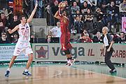 DESCRIZIONE : Treviso Lega A 2011-12 Umana Venezia EA7 Emporio Armani Milano<br /> GIOCATORE : keydren clark<br /> CATEGORIA :  tiro three points<br /> SQUADRA : Umana Venezia EA7 Emporio Armani Milano<br /> EVENTO : Campionato Lega A 2011-2012<br /> GARA : Umana Venezia EA7 Emporio Armani Milano<br /> DATA : 11/12/2011<br /> SPORT : Pallacanestro<br /> AUTORE : Agenzia Ciamillo-Castoria/M.Gregolin<br /> Galleria : Lega Basket A 2011-2012<br /> Fotonotizia :  Treviso Lega A 2011-12 Umana Venezia EA7 Emporio Armani Milano  <br /> Predefinita :