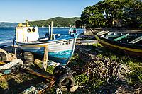 Barcos atracados na Enseada do Brito. Palhoça, Santa Catarina, Brasil. / Boats moored at Enseada do Brito. Palhoca, Santa Catarina, Brazil.