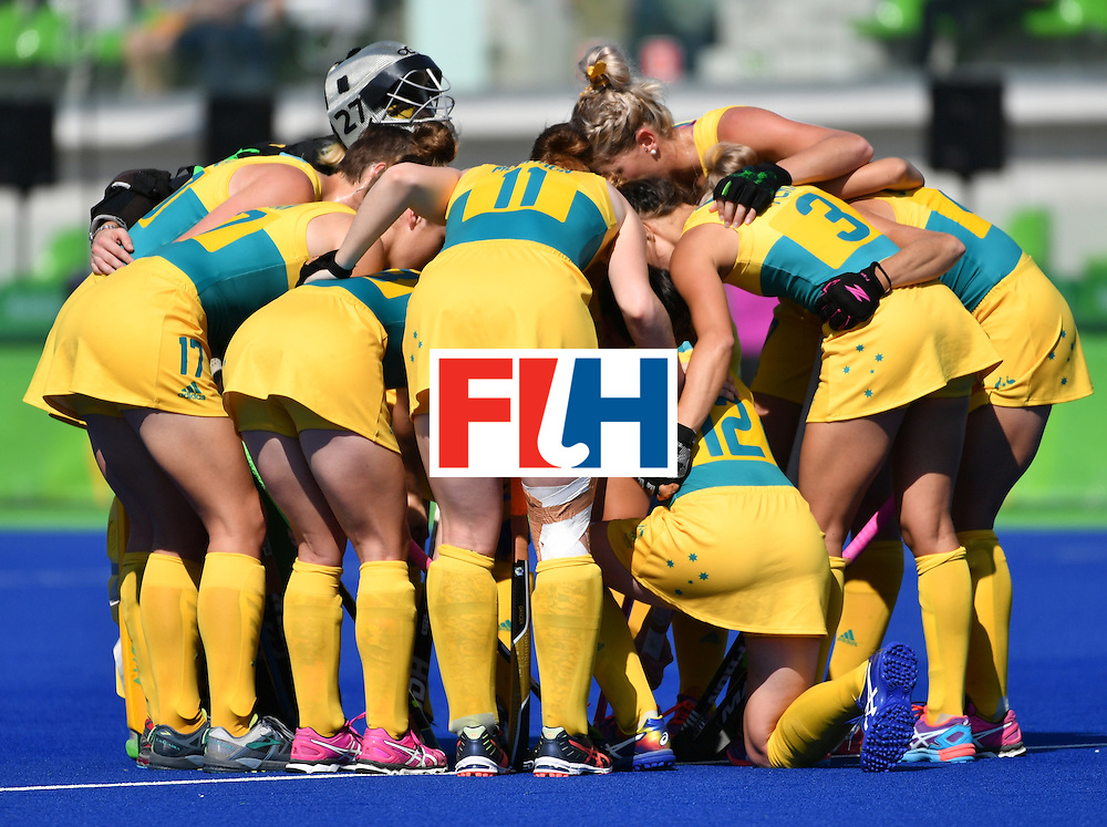 Australia's players gather at the begining of the the women's quarterfinal field hockey New Zealand vs Australia match of the Rio 2016 Olympics Games at the Olympic Hockey Centre in Rio de Janeiro on August 15, 2016. / AFP / Pascal GUYOT        (Photo credit should read PASCAL GUYOT/AFP/Getty Images)