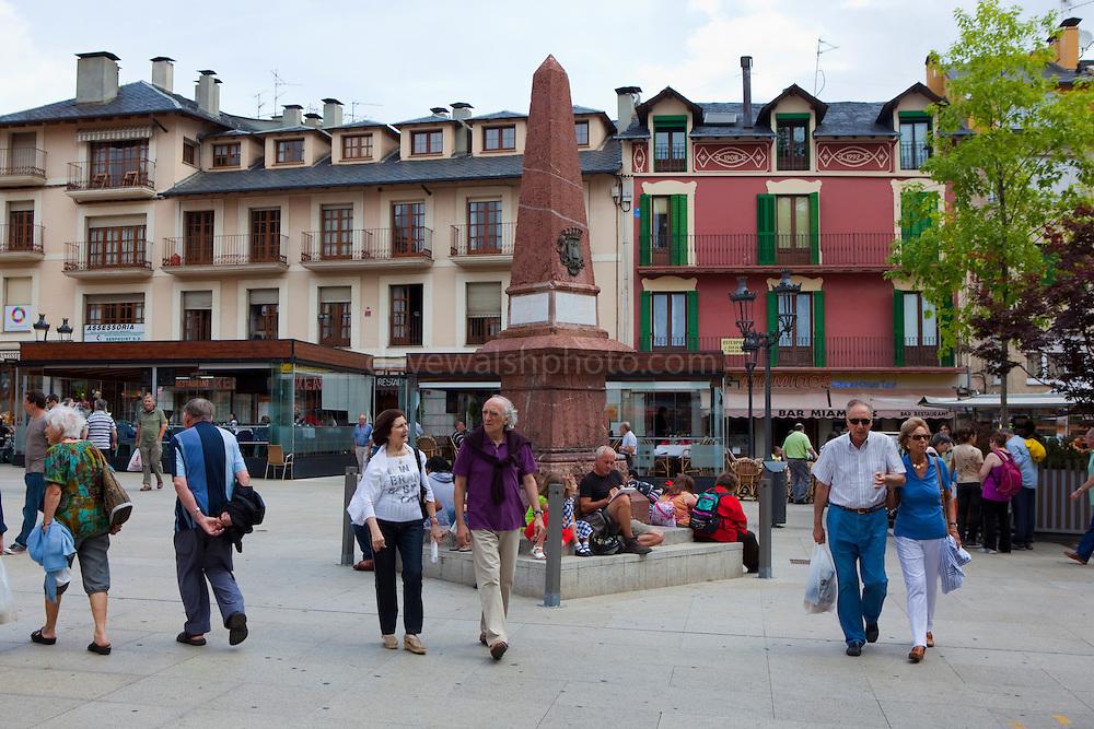 Placa de Santa Maria, Puigcerda, Sunday morning, August 2011